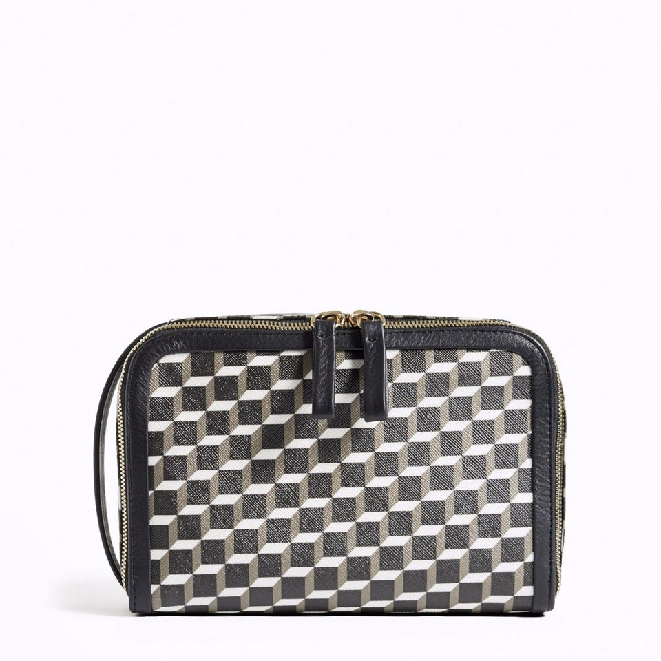 PERSPECTIVE CUBE TOILETRY CASE