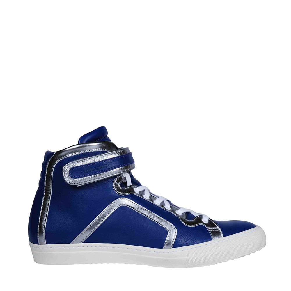 High top sneaker